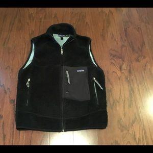 Vtg Patagonia black deep pile fleece vest M